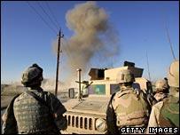 US bomb team detonate roadside bomb in Baghdad