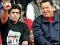 Diego Maradona (left) with Hugo Chavez at a Mar del Plata rally