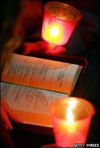 Vela y biblia