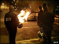 Burning car in Aulnay