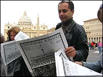 Reading of Pope's death in newspapers outside the Vatican