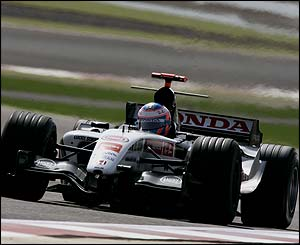 Jenson Button has another torrid day in Bahrain