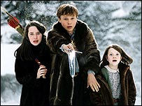 Anna Popplewell, William Moseley and Georgie Henley in The Chronicles of Narnia: The Lion, the Witch and the Wardrobe
