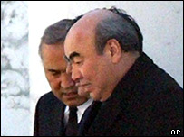 Kyrgyz President Askar Akayev, who fled the country after his office was stormed by demonstrators last month, right, and parliament speaker Omurbek Tekebayev, in Moscow, Sunday, April 3, 2005.