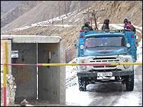 Checkpoint on road in Ishkashim