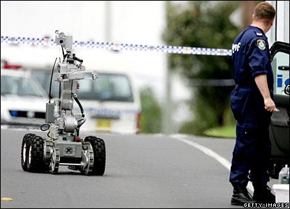 Bomb-squad robot
