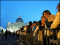 Queue to see Pope lying in state at St Peter's Basilica