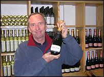 Winemaker Bob Lindo