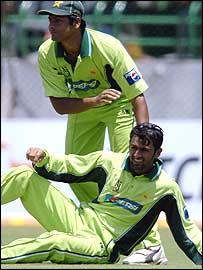 Pakistan fielders