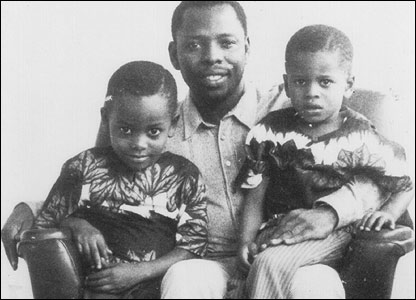 The late Ken Saro-Wiwa and his children  [Image: Remember Saro-Wiwa www.remembersarowiwa.com]