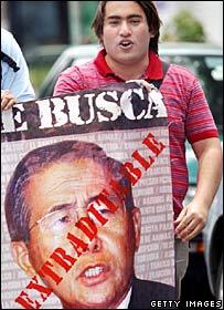 Protester in Santiago, Chile, demanding Mr Fujimori's extradition to Peru