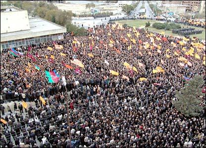 Crowds in Baku's Gelebe Square