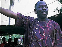 The late Ken Saro-Wiwa speaking  [Image: Greenpeace/Lambon]