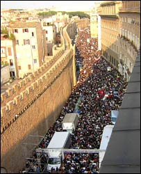 Crowds in Vatican City