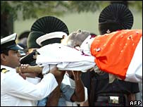 Former President Narayanan's body at the cremation ground in Delhi