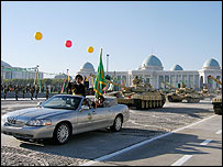 Turkmenistan celebrates its Independence Day in Ashgabat, 27 October 2005