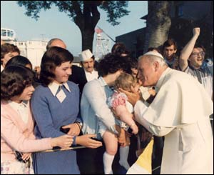The Pope meeting well-wishers/Copyright Pontificia Felici and L'Osservatore Romano