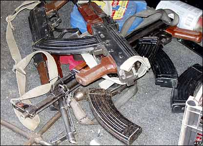 Guns found in car in Semdinli