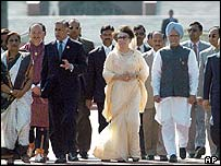 From l to r: Chandrika Kumaratunga (Sri Lanka), Shaukat Aziz (Pakistan), Khaleda Zia (Bangladesh), Manmohan Singh (India)