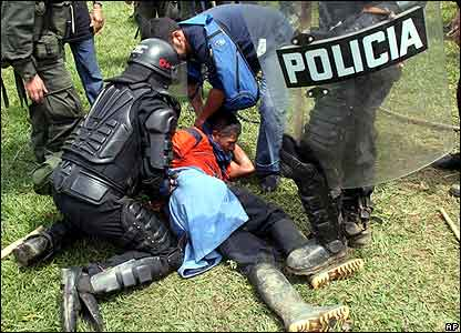 Police arrest Indian at the Hapio ranch in Caloto