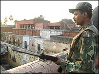 Paramilitary soldier guards Jehanabad jail