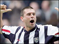 Paul Robinson celebrates his equaliser for West Brom
