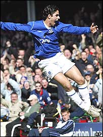Mikel Arteta celebrates his goal for Everton