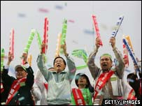 : Taiwan's President Chen Shui-bian (centre) takes part in a rally against China's anti-secession law