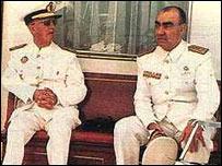 Franco con su mano derecha, Luis Carrero Blanco, asesinado en un atentado de ETA en diciembre de 1973.