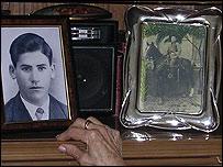 Fotos de los familiares de Juana y Eufemia Bargueño.