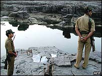 Soldiers on the banks of the Narmada