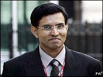 Dr Sunil Karikayakarawana