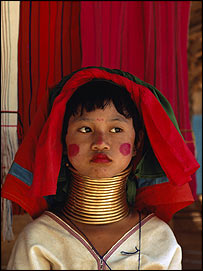 Padaung girl from Thailand     Image: Jodi Cobb/National Geographic