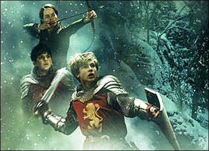 Susan Popplewell, Skandar Keynes and William Moseley as the Pevensie children in The Chronicles of Narnia