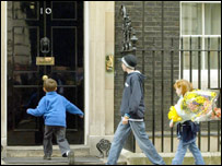 Rover protesters head for No 10