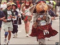 Fancy dress at the 1999 race