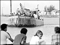 Friends and relatives of Cuban refugees at Key West, Florida, in April 1980