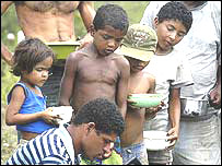 Ni�os en una favela o villa miseria en Brasil