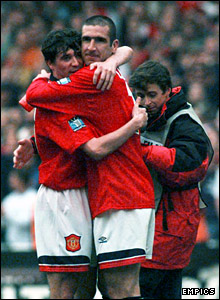 Eric Cantona embraces Keane after United beat Liverpool in the 1996 FA Cup final