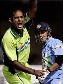 Naved-ul-Hasan claims the early wicket of Sachin Tendulkar