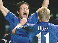 Joe Cole and Damien Duff of Chelsea