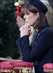 Princess Caroline prays in Monaco's cathedral