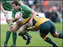 Geordan Murphy is tackled by Wallaby flanker George Smith