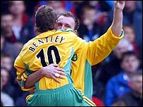 Dean Ashton celebrates scoring with team-mate David Bentley