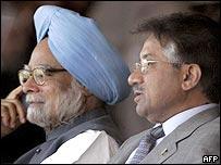 Manmohan Singh and Pervez Musharraf