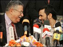 Iraq's President Jalal Talabani (l) and Iran's President Mahmoud Ahmadinejad in Tehran