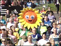Runner dressed as sunflower