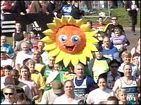 Runner dressed as sunflower