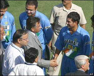 Musharraf with Indian cricket players