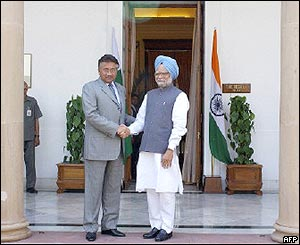 President Musharraf and Manmohan Singh at Hyderabad House at the start of the talks